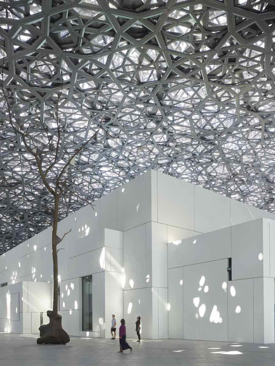 Louvre Abu Dhabi Rain of Light - © Roland Halbe.