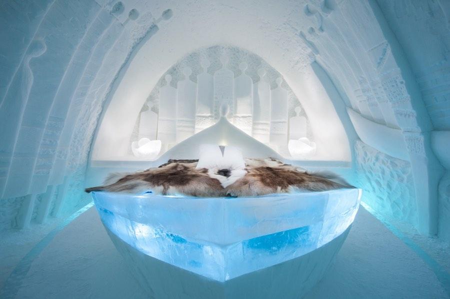"Art Suite ""Daily Travellers"" by Alem Teklu & Anne Karin Krogevoll - Photo by Asaf Kliger © ICEHOTEL."