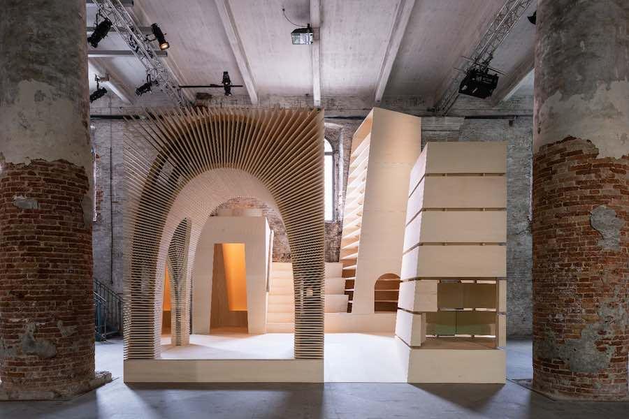 Allison Brooks' installation - Photo by Andrea Avezzù - Courtesy of La Biennale di Venezia