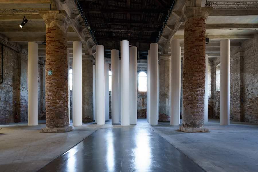 Valerio Olgiati's installation - Photo by Andrea Avezzù, courtesy of La Biennale di Venezia.