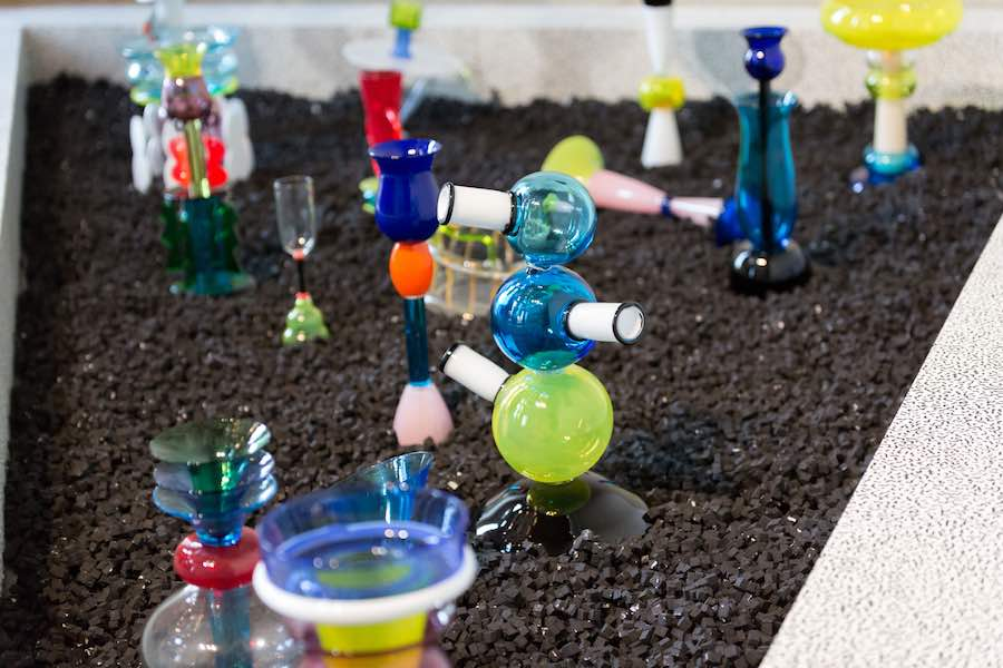 MEMPHIS - PLASTIC FIELD exhibition by Fondazione Berengo - Photo by Karolina Sobel.