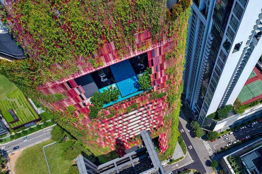 The Oasia Hotel by WOHA and Patricia Urquiola in Singapore - Photo by Infinitude courtesy of AGROB BUTHAL.