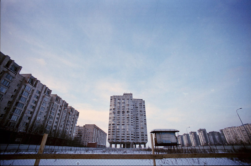 Primorskaya's brutalist architecture - Photo by Timo Kirkkala, CC.