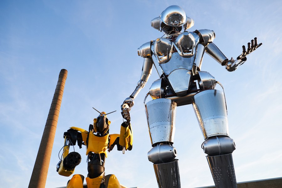 Robot Love - Photo by Tommy Kohlbrugge.