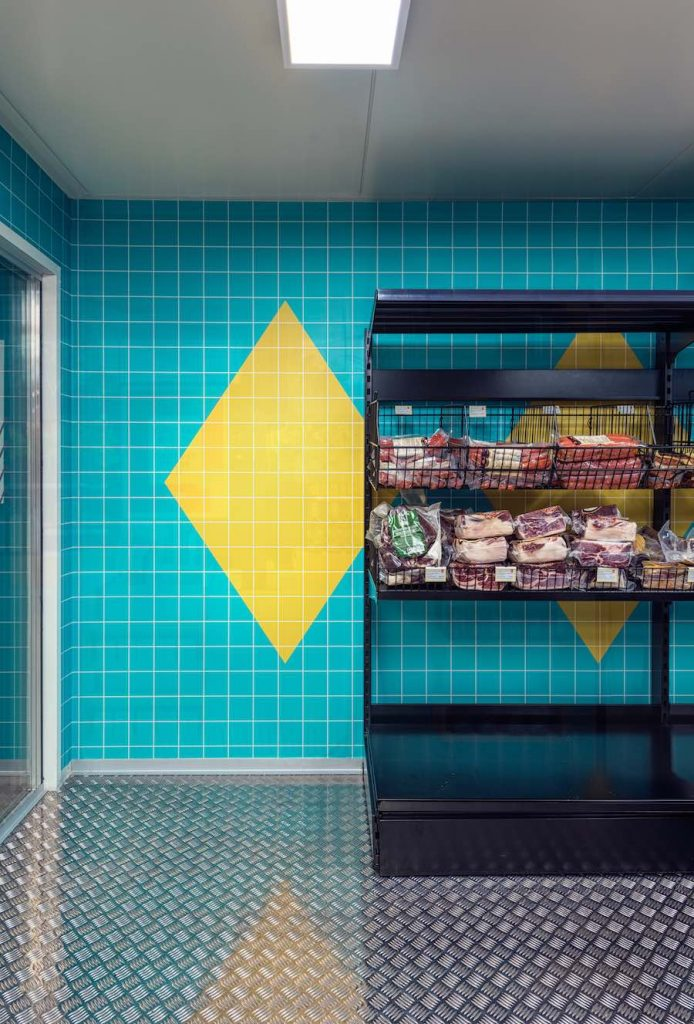 SOLERA Spanish supermarket by Masquespacio - Photo by Louis Beltran.