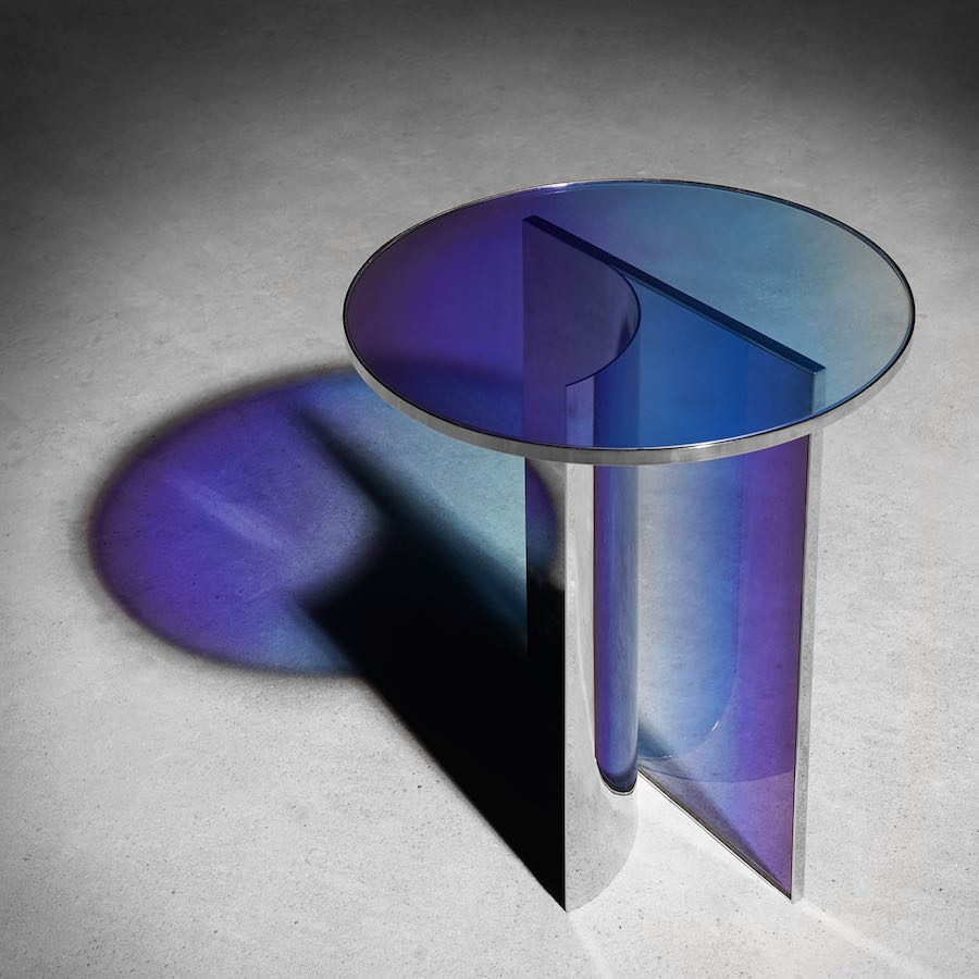 Buzao's iridescent furniture - Null collection - Photo by Buzao.