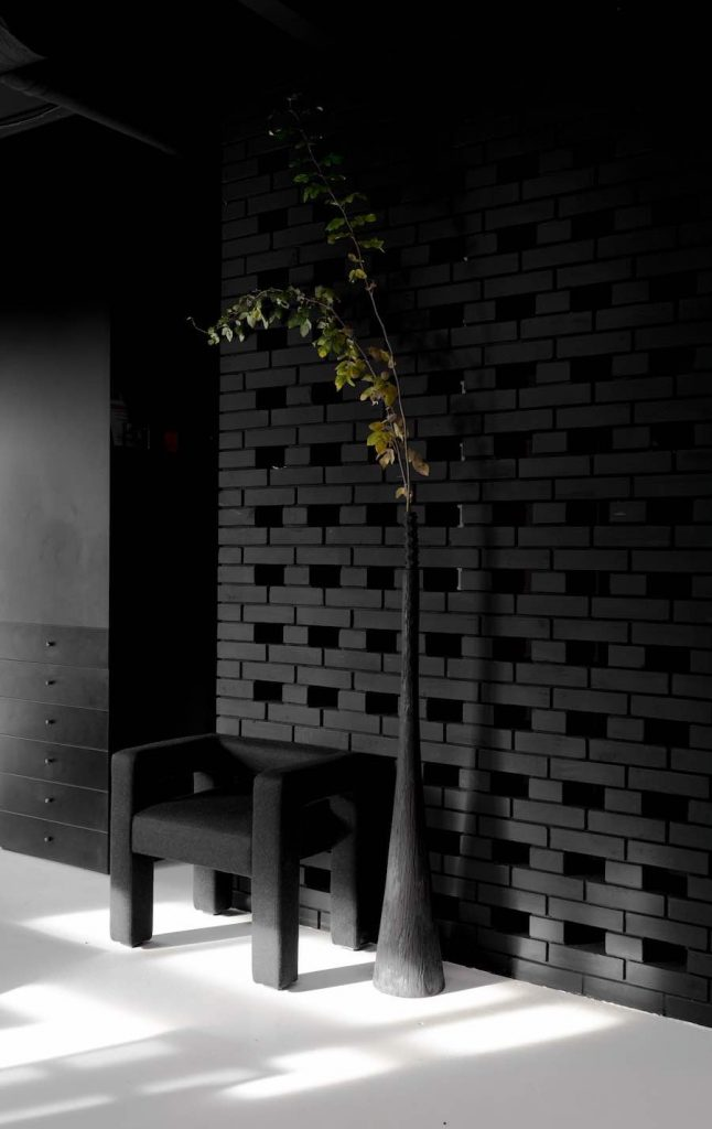 Ya Vsesvit's monochrome co-working space in Kiev - Photo: courtesy of Ya Vsesvit.
