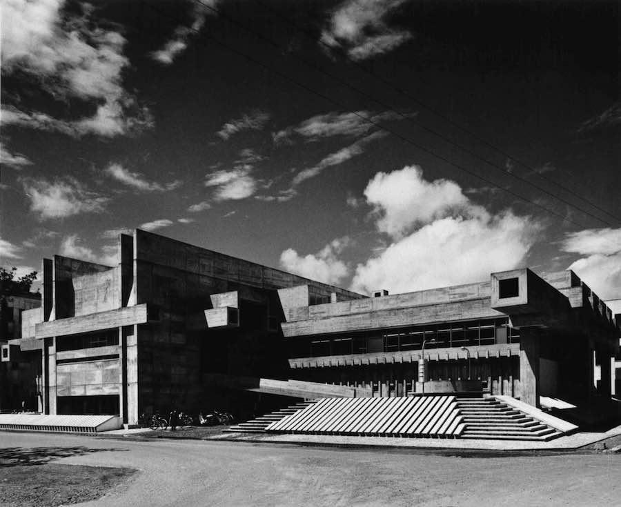 2019 Pritzker Prize. Arata Isozaki's Ōita Prefectural Library - Photo courtesy of Yasuhiro Ishimoto.