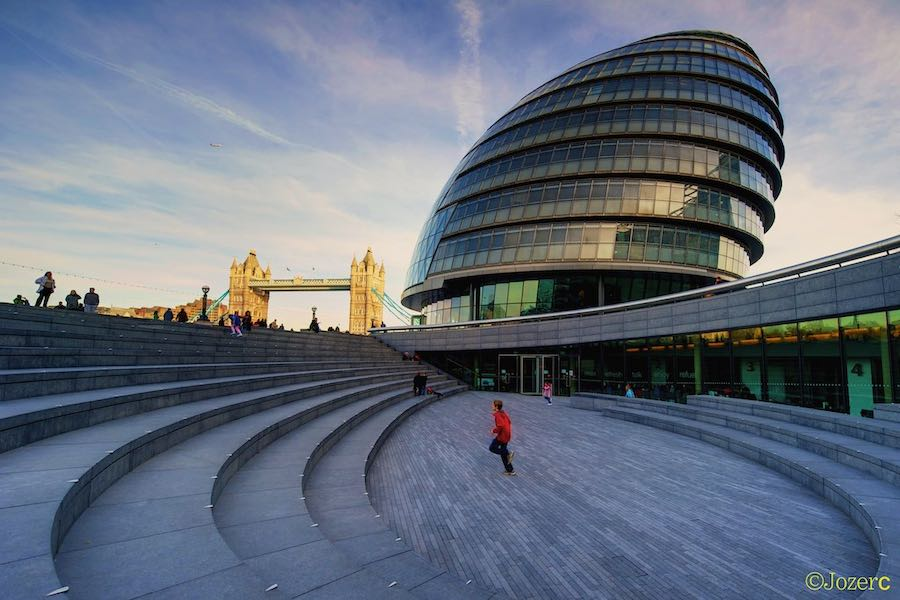 10 egg-shaped architectures - London City Hall by Foster + Parners - Photo by Maciek Lulko.