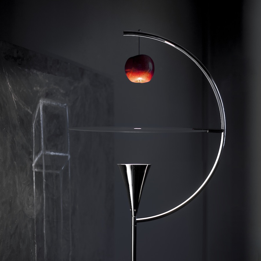 Newton floor lamp by Andrea Branzi - Photo by Nemo.