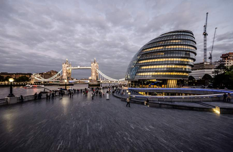 London City Hall by Foster + Parners - Photo by Maciek Lulko