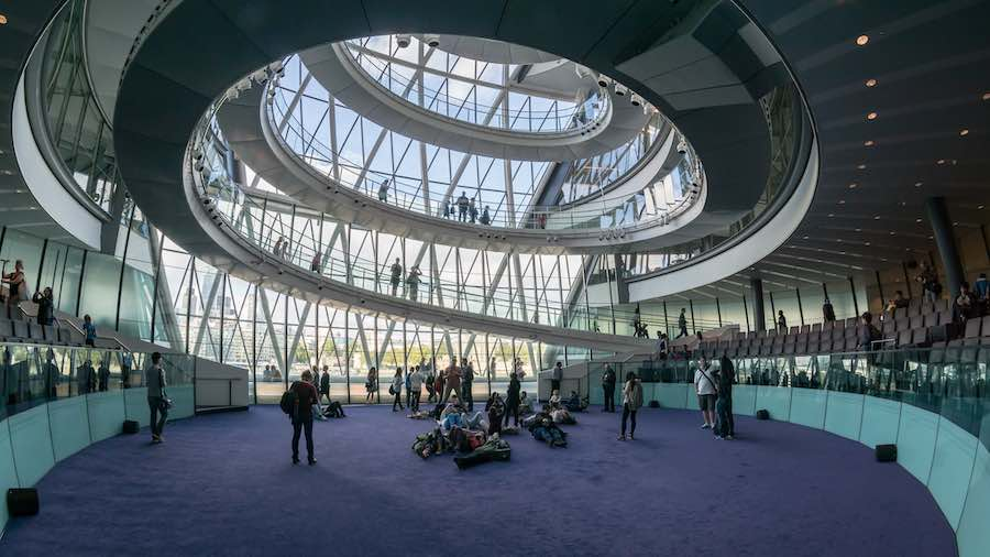 Inside London City Hall - Ph. by User:Collin.