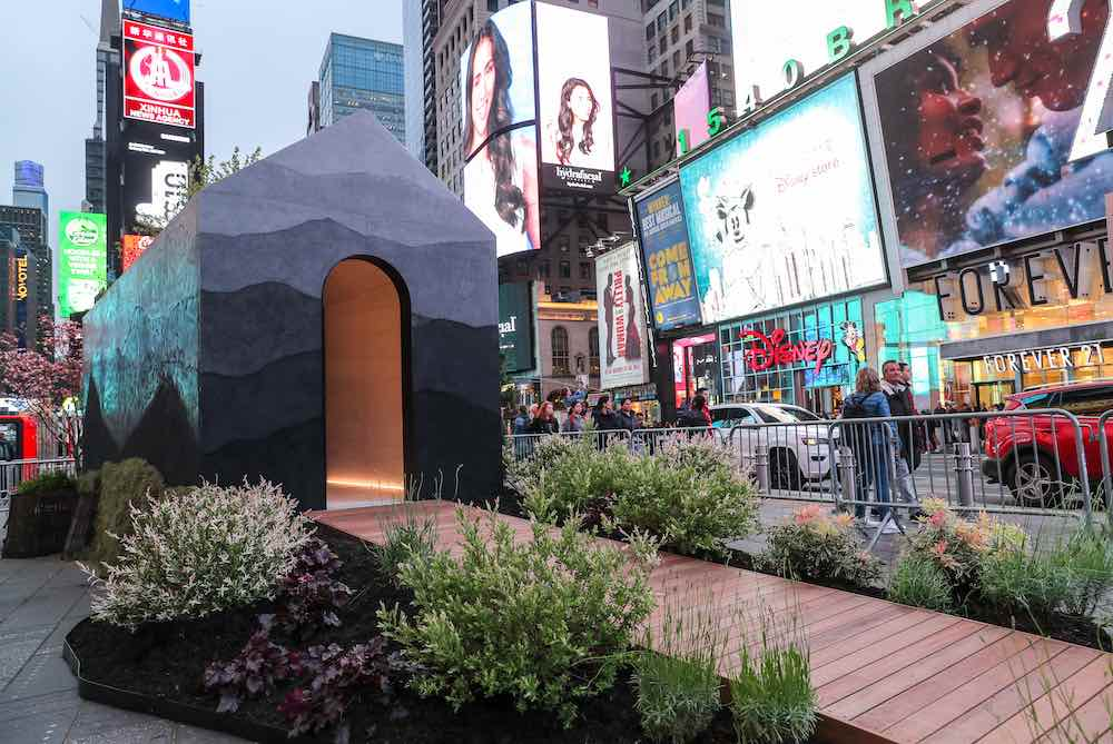 Fernando Mastrangelo's Tiny House in Time Square - Photo by Fernando Mastrangelo.