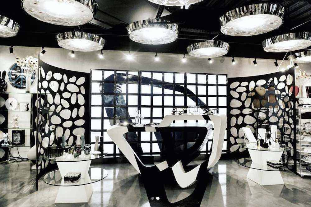 Zaha Hadid Design @ 10 Corso Como NYC - Photo bia IG by @nycxdesign.