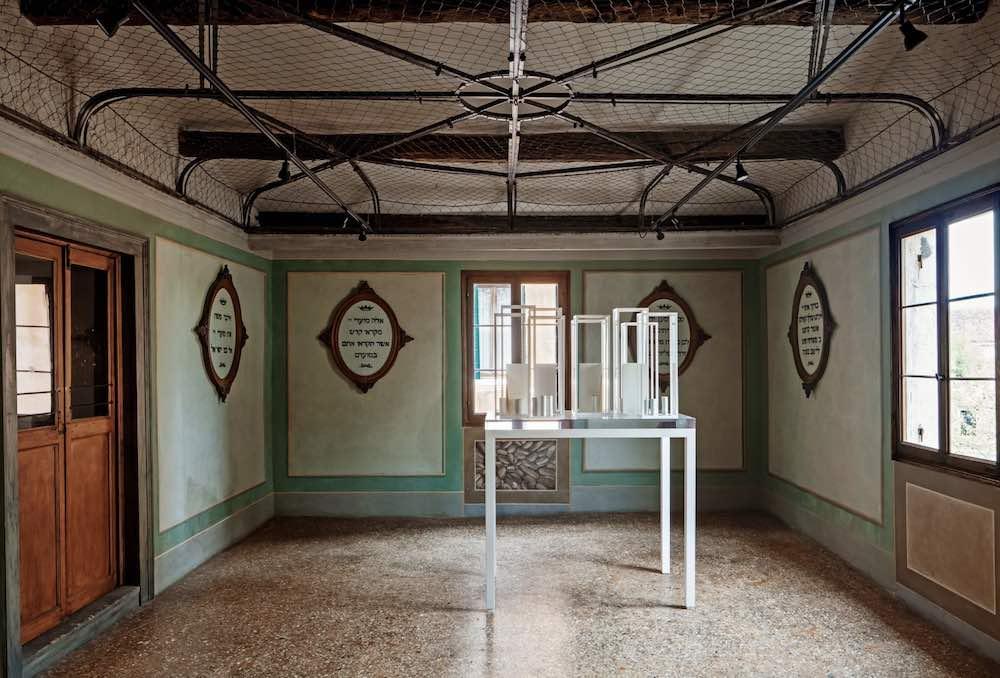 Inaugurations at Venice Art Week 2019. Edmund de Waal's PSLAMS exhibition - Photo: courtesy of Edmund de Waal.