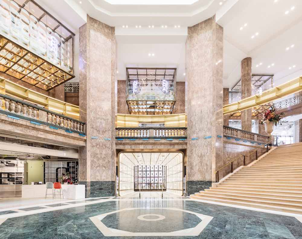BIG's Galeries Lafayette Champs Elysées 'retail laboratory' and luxury store. Atrium - Photo by Delfino Sisto Legnani and Marco Cappelletti