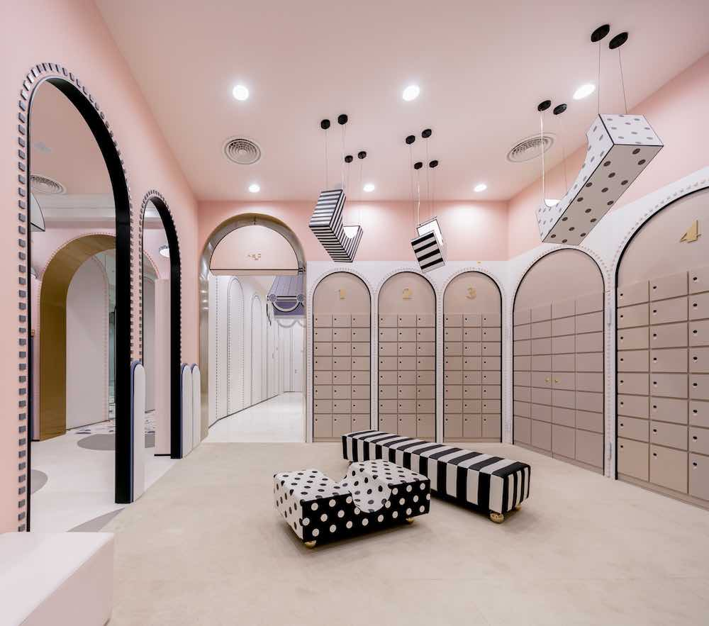 Loong Swim Club by X+Living - Shoes Changing Room.