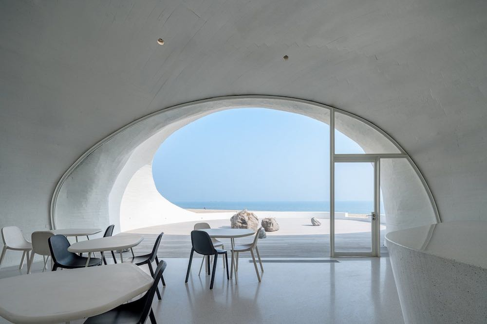 UCCA Dune Art Museum aerial view. Cafe - Photo by WU Qingshan
