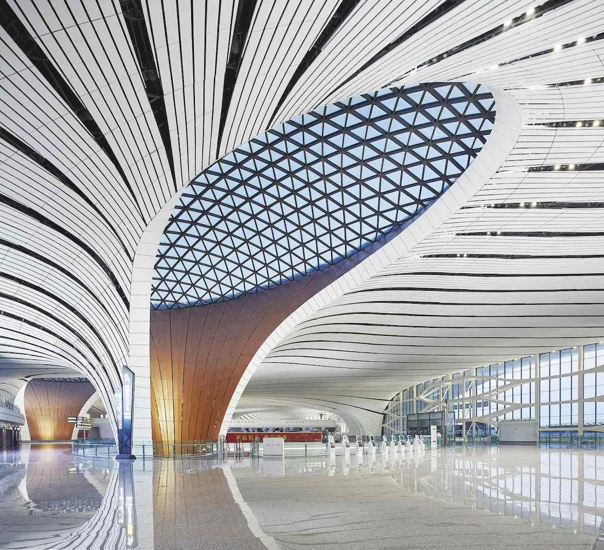 Zaha Hadid Architects' Beijing Daxing Int Airport - Photo by ©Hufton+Crow.
