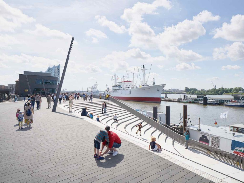 Niederhafen River Promenade by Zaha Hadid Architects in Hamburg - Photo by © Piet Niemann
