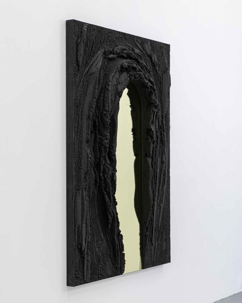 MAGMA mirror series by Fernando Mastrangelo - Photo: courtesy of Fernando Mastrangelo.