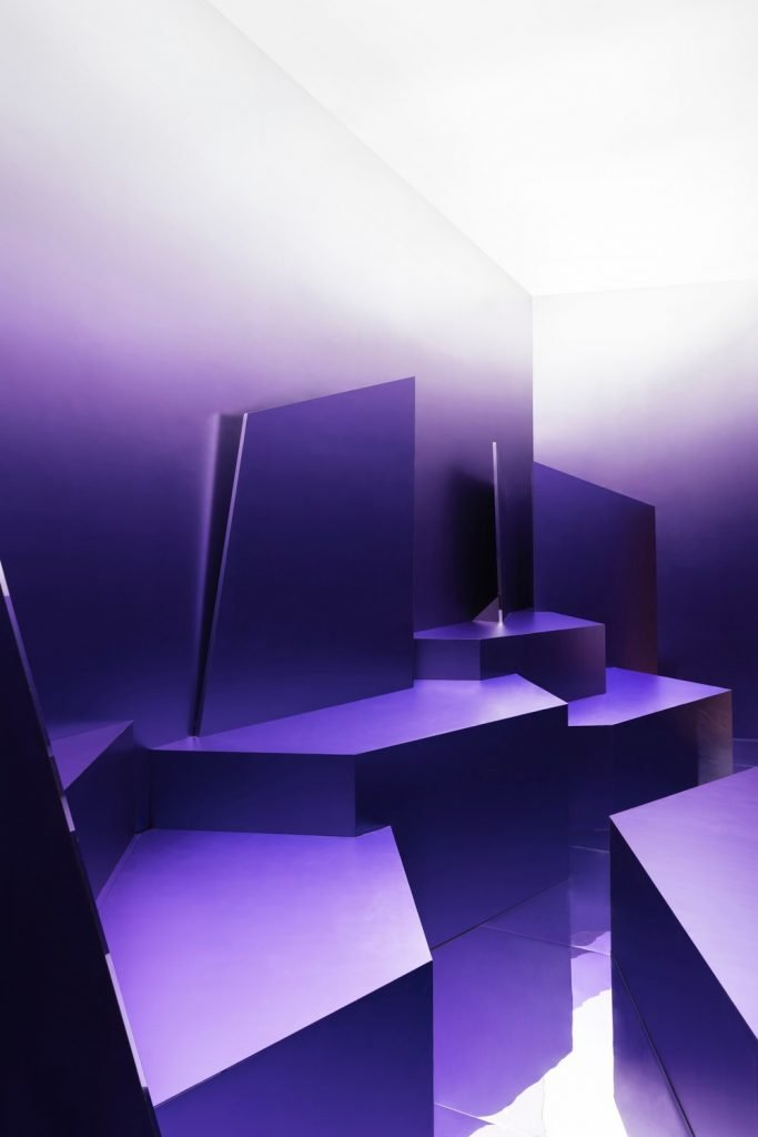 Purple Suprematist pavilion by Maxim Kashin Architects - Photo by Dmitri Chebanenko - Courtesy of Maxim Kashin Architects.