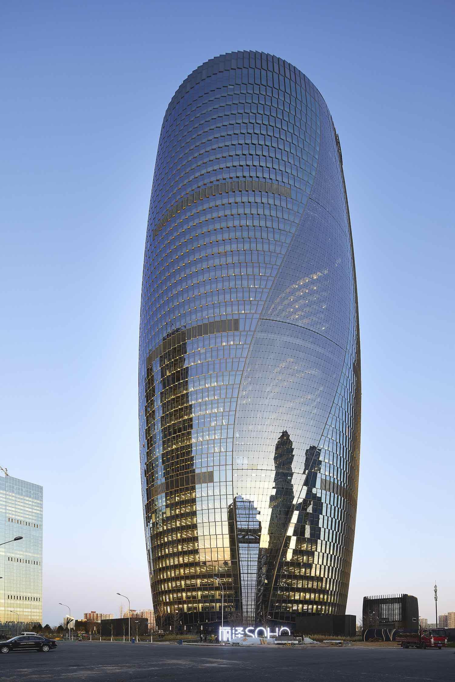 Leeza Soho Tower by Zaha Hadid Architects - Photo ©Hufton+Crow.