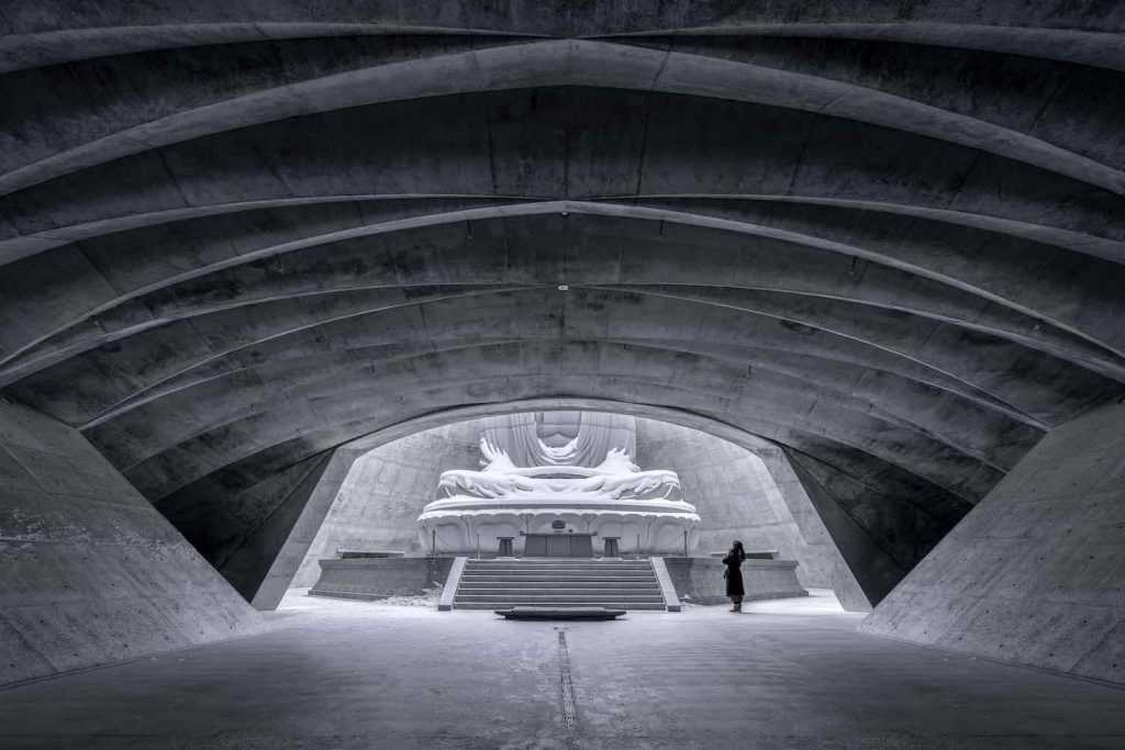 Tadao Ando's Hill of the Buddha in Moakomai Takino Cemetery - Photo by Vincent Wu.