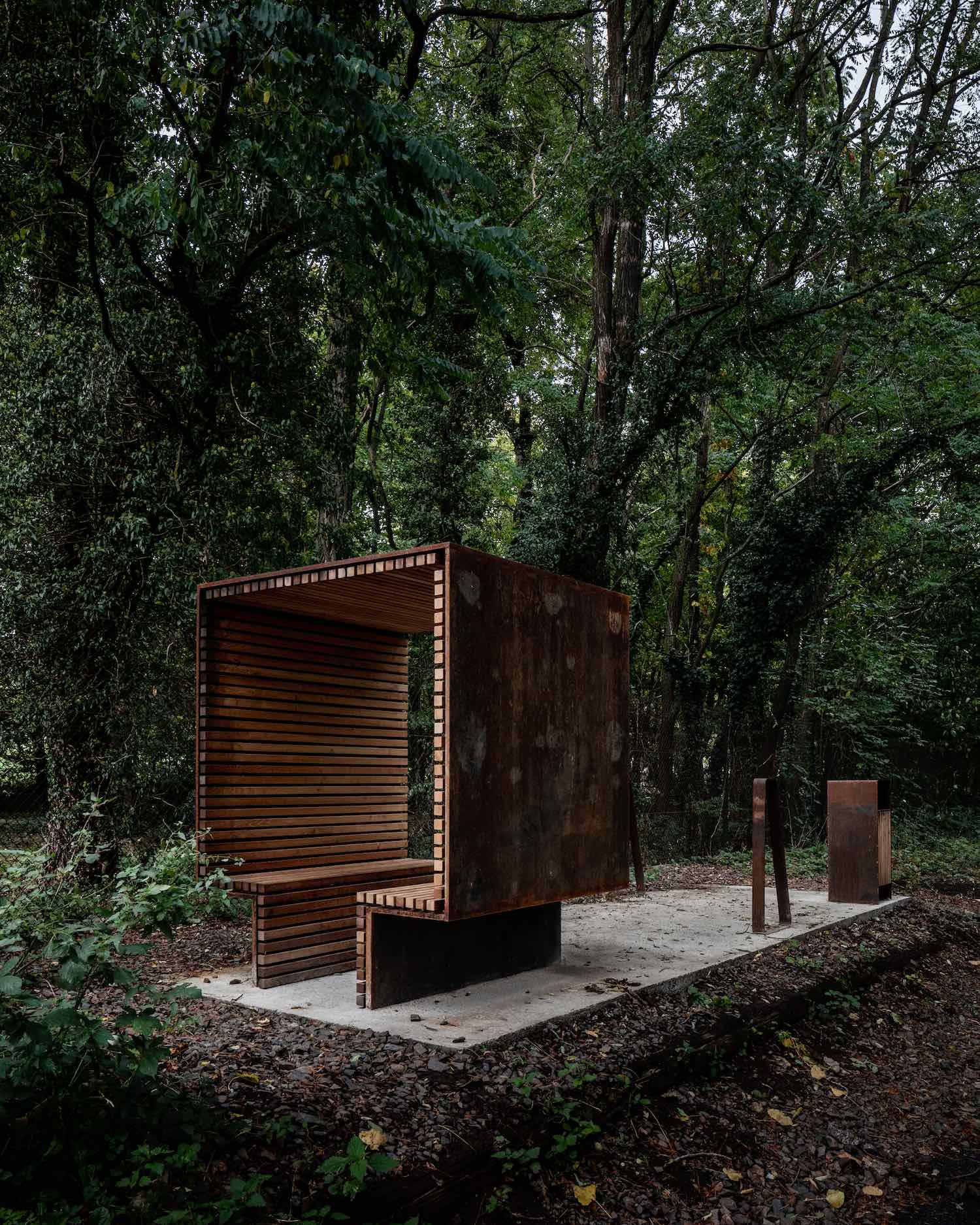 Portes Bonheur, Chemin des Carriares by photos by Reiulf Ramstad Architects - Photo by Florent Michel 11h45, courtesy of RRA
