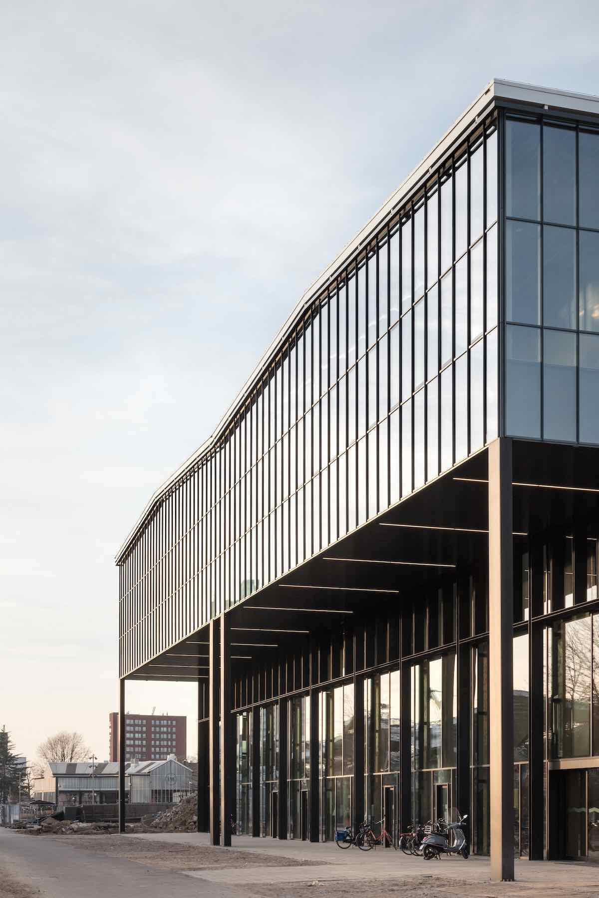 LocHal Public Library by Civic Architects - Photo by Stijn Bollaert, courtesy of World Architecture Festival.
