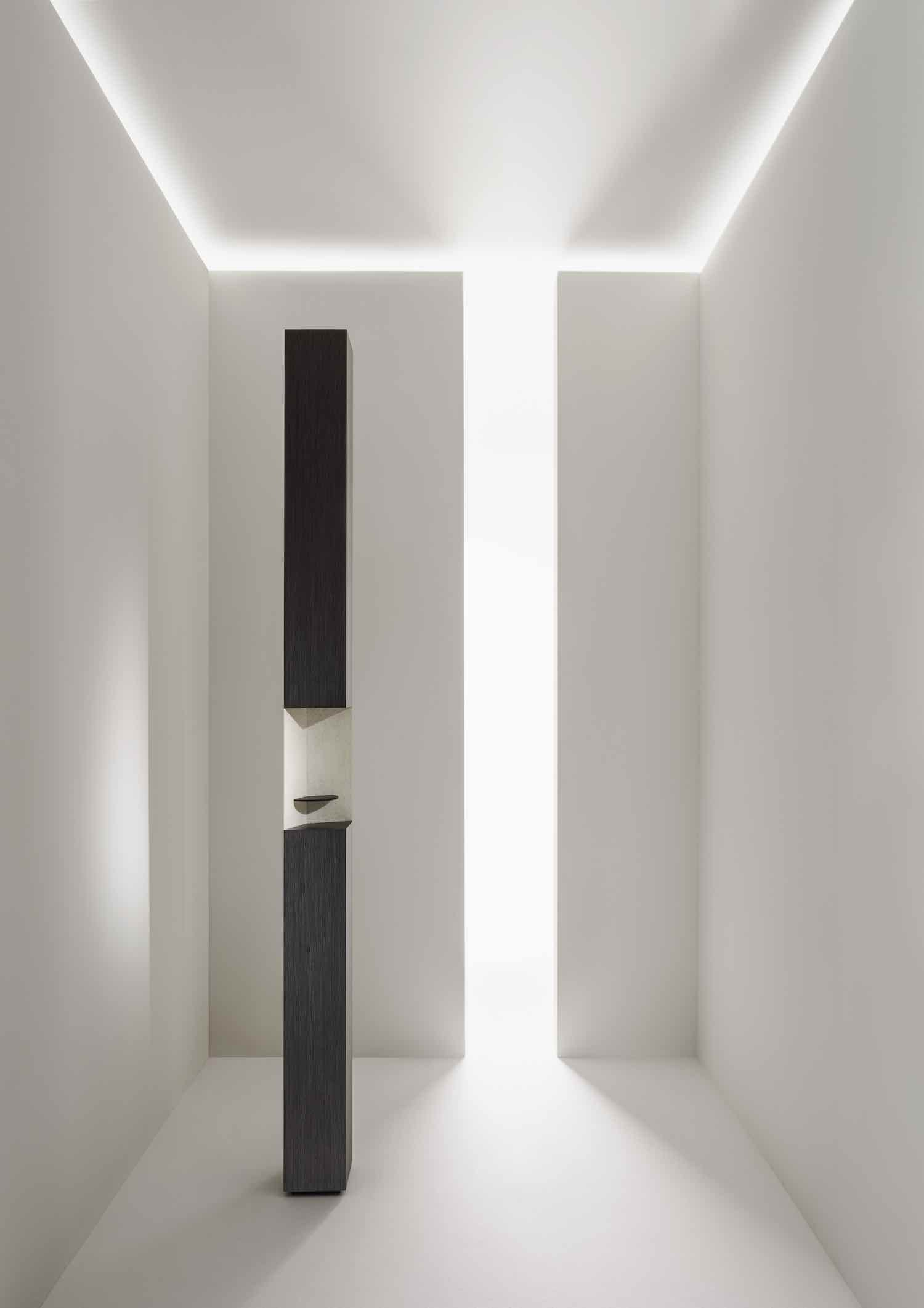THE TABLES OF ELEMENTS by Piero Lissoni x ALPI. Photo by Santi Caleca, courtesy of ALPI.