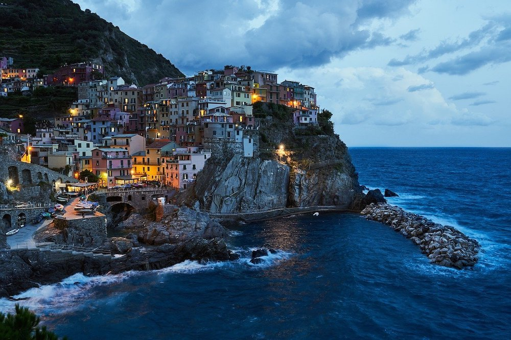 Manarola, Cinque Terre in Liguria, Italy - Photo by Felix Wolf