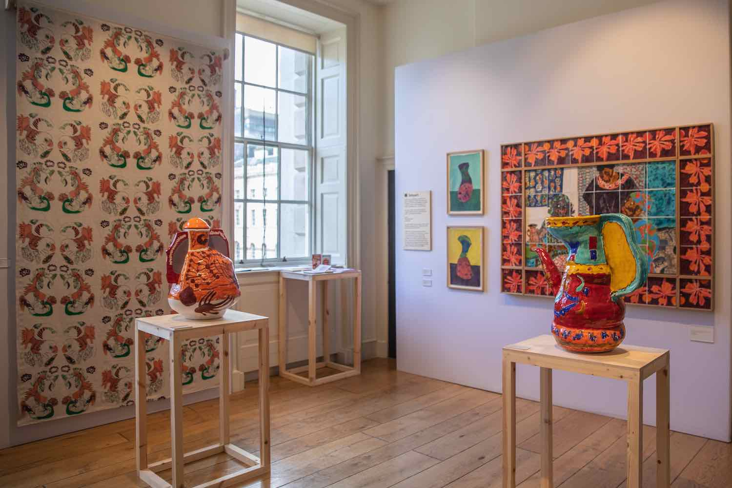 Collect Oustanding Display by a Gallery – Intoart, London - Photo by Iona Wolff; courtesy of Collect2020.