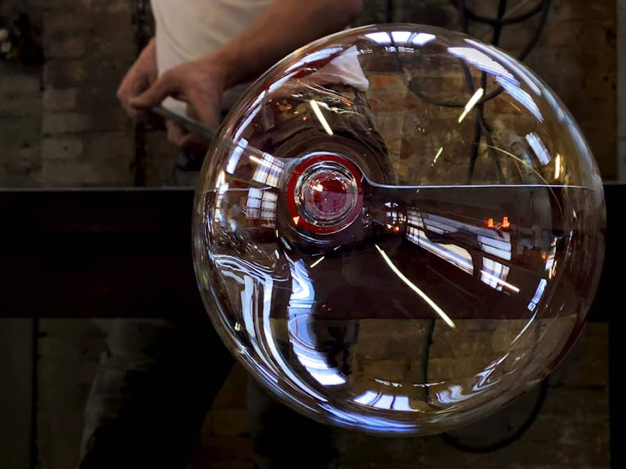Glass blowing at Barovier & Toso factory - Photo by Barovier & Toso
