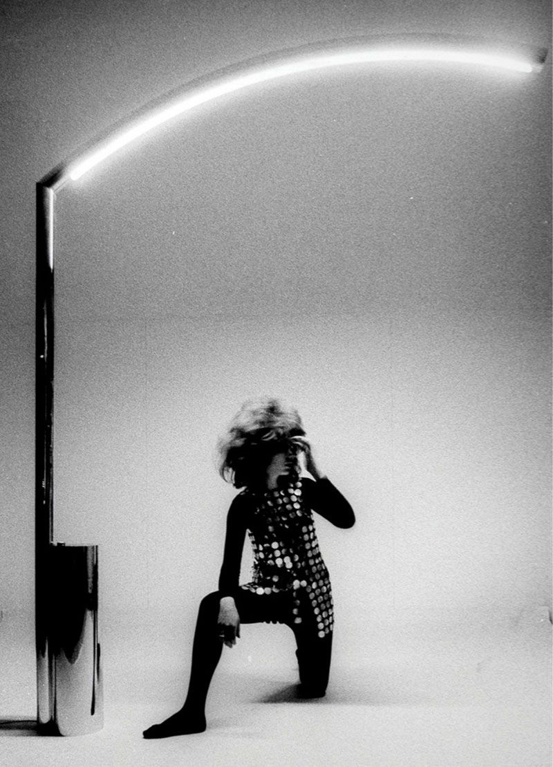 Nanda Vigo, Golden Gate lamp, 1969 - Photo by Ugo Mulas.