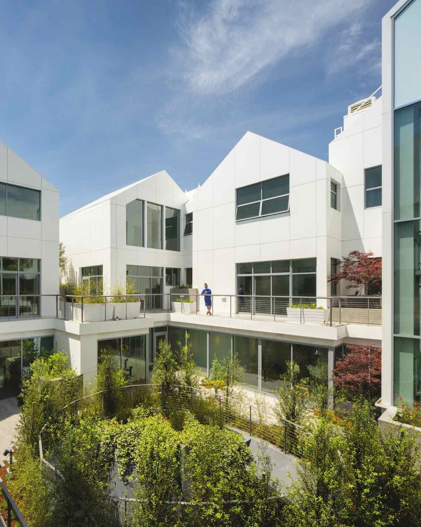 Gardenhouse residential building by MAD Architects in Beverly Hills - Photo by Nic Lehoux