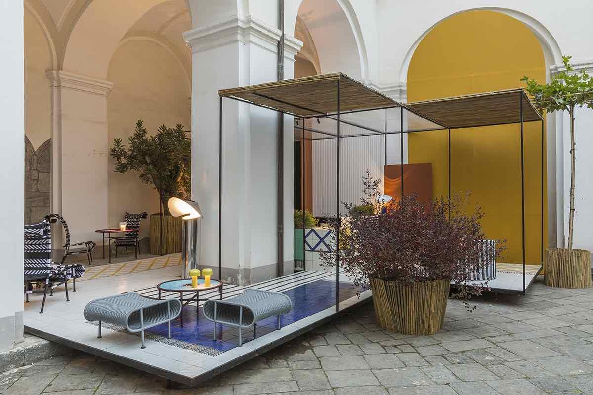 EDIT Napoli 2020 - cortile del Complesso e corner by Giuliano Andrea Dell'Uva ©Serena Eller Vainicher