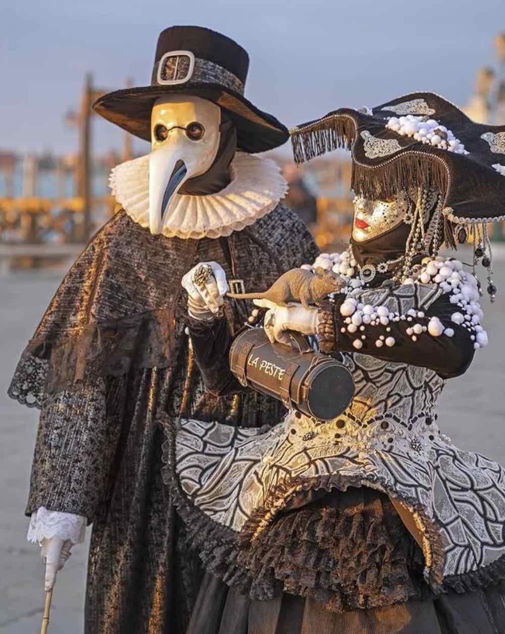 Plague Doctor mask at Venice Carnival - Photo via IG @josepmasalles