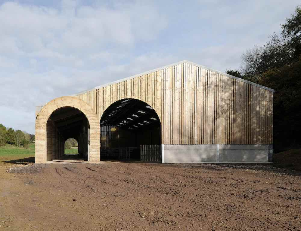 Shatwell Farm cowshed by Steven Taylor Architects - Photo by David Grandorge.