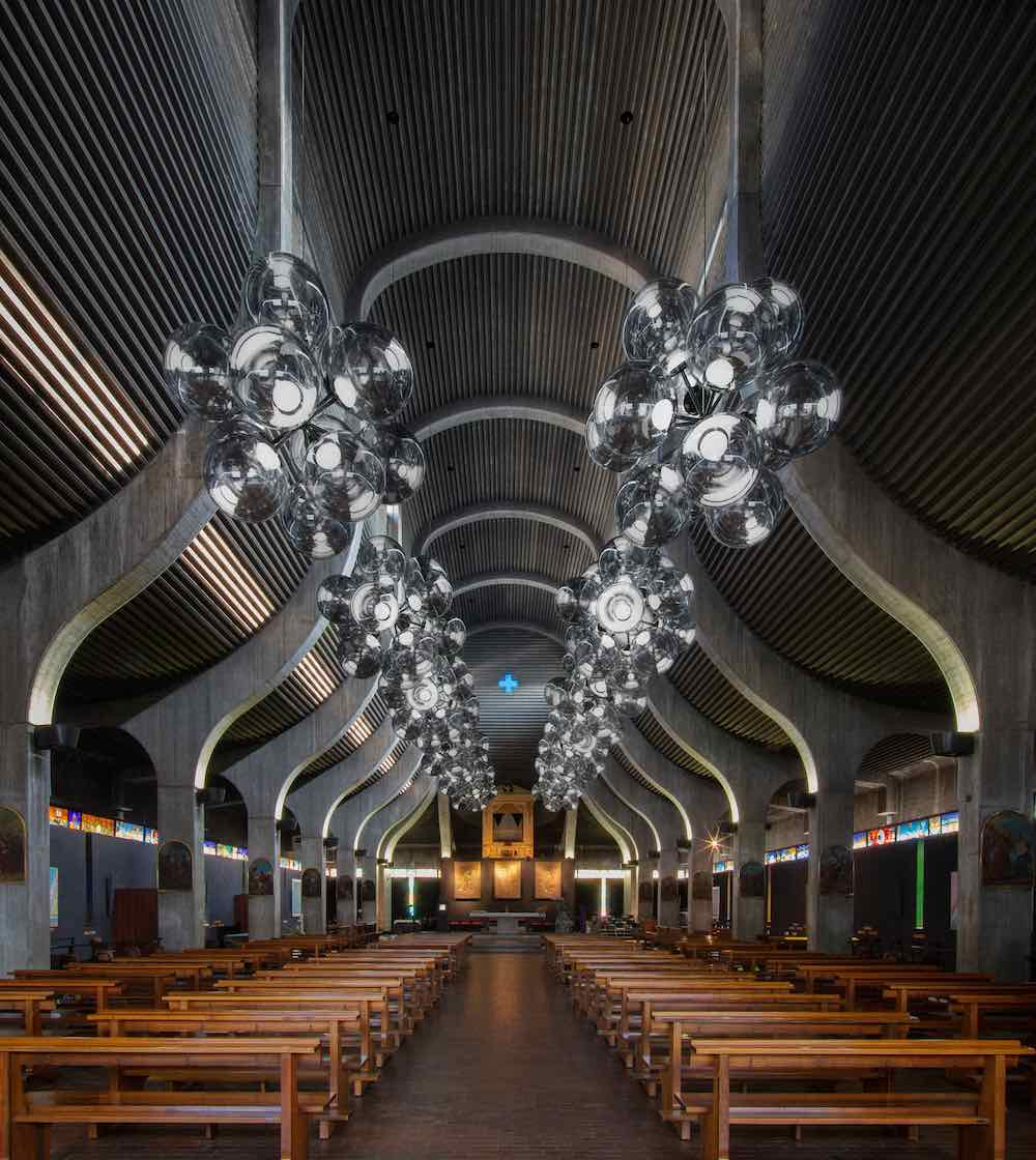 BURST chandelier by Tom Dixon @ San Nicolao Church by Ignazio Gardella - Photo by Tom Dixon.