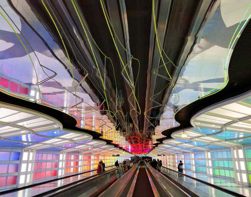 United Airlines Terminal One at the O'Hare airport by Helmut Jahn, Chicago 1987 - Photo by Darshan Simha