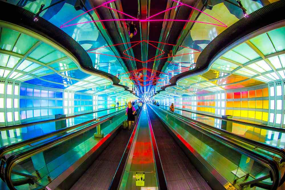United Airlines Terminal One at the O'Hare airport by Helmut Jahn, Chicago 1987 - Photo by Thomas Hawk